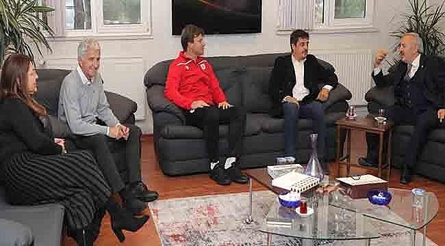 İYİ Parti'den Samsunspor Kulübüne Ziyaret
