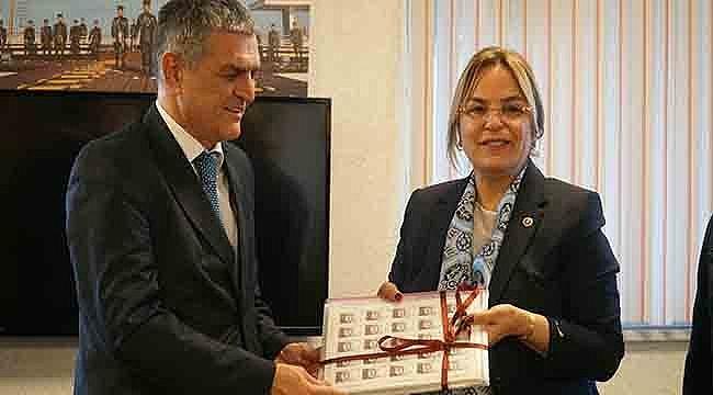 Milletvekili Neslihan Hancıoğlu'ndan Samsunspor Pulu