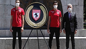 Yılport Samsunspor'dan Anıta 55. Yıl Çelenk'i