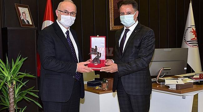Rektör Ünal Başkan Cemil Deveci'yi Konuk Etti