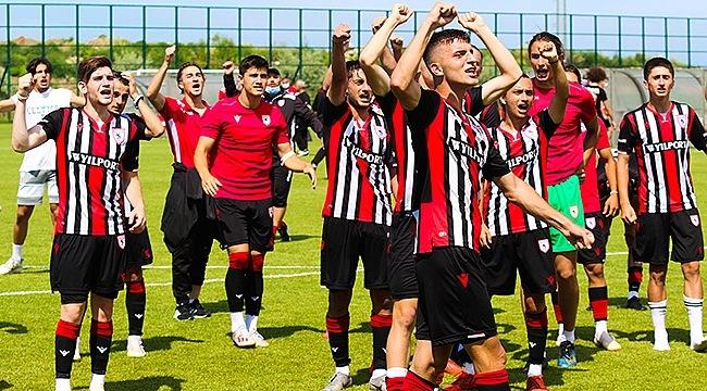 Yılport Samsunspor U19 Grup Lideri!...