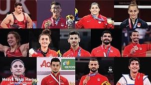 Mete Gazoz ve Busenaz Sürmeneli; en çok konuşulan olimpiyat madalyalı sporcular oldu!